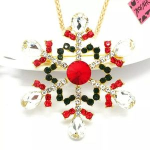 NWT Betsey Johnson Snowflake Sweater Necklace.